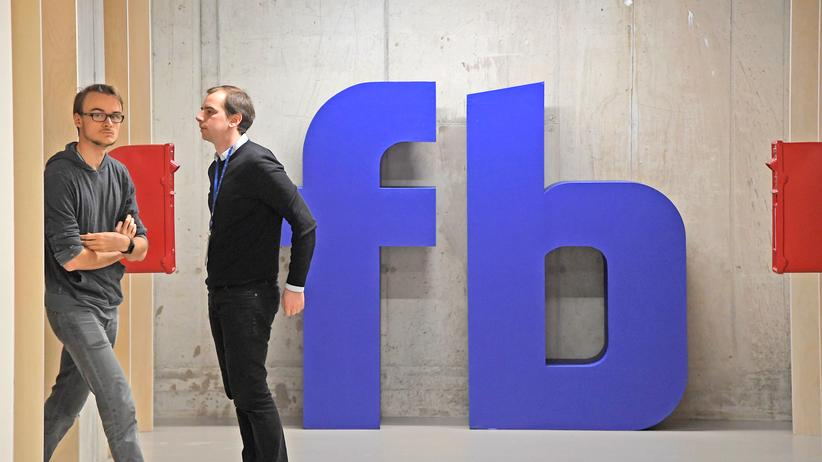 Rechtsextremismus: Bei Facebooks Hauptquartier in London