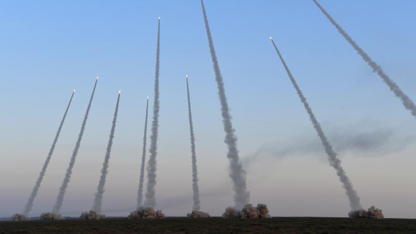 Nationaler Volkskongress: China erhöht Militärausgaben deutlich