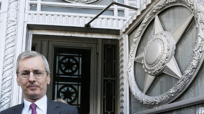 Sergej Skripal: Der britische Botschafter in Russland, Laurie Bristow, verlässt das Außenministerium in Moskau.