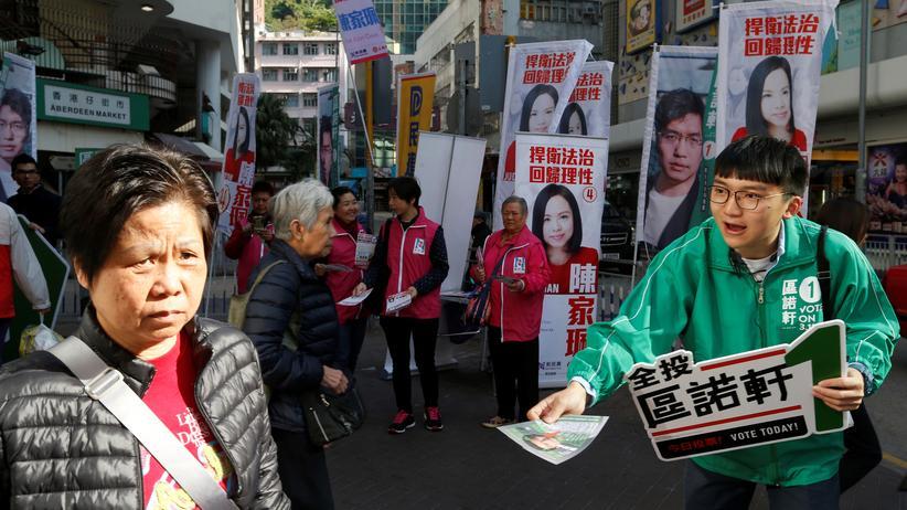 China: Demokraten in Hongkong verlieren Parlamentssitze