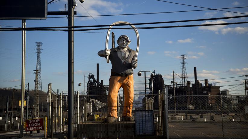 Importzölle: Soll durch Einfuhrzoll geschützt werden: Stahlwerk in Braddock in Pennsylvania