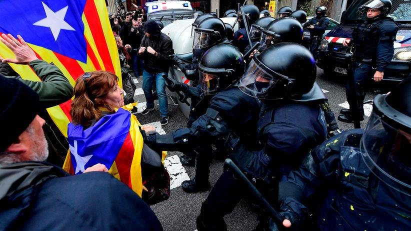 Katalonien: Demonstranten in Barcelona