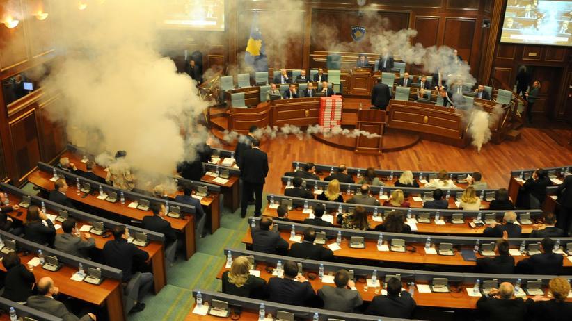 Balkan: Kosovo unterzeichnet Grenzabkommen mit Montenegro