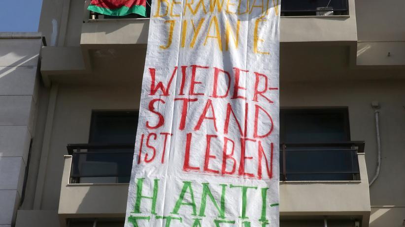 Militäroffensive in Afrin: Demonstranten dringen in deutsches Konsulat auf Kreta ein