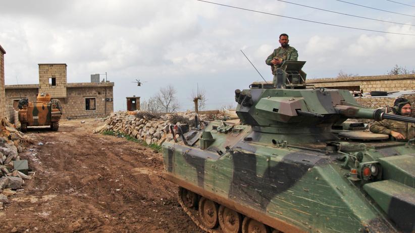 Militäroffensive in Afrin: Die türkische Armee rückt in das Dorf Al-Maabatli in der nordsyrischen Grenzregion Afrin vor.