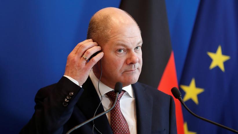 Olaf Scholz: Vizekanzler und Bundesfinanzminister Olaf Scholz (SPD) während einer Pressekonferenz in Paris am Freitag. Dort traf er sich mit seinem französischen Amtskollegen.