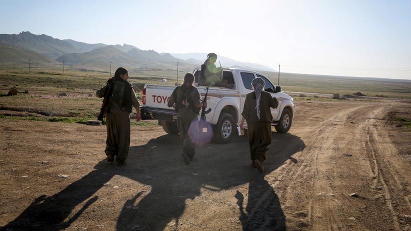 Recep Tayyip Erdoğan: Frauen und Männer der PKK verlassen ihre Basis in Sindschar (Archiv).