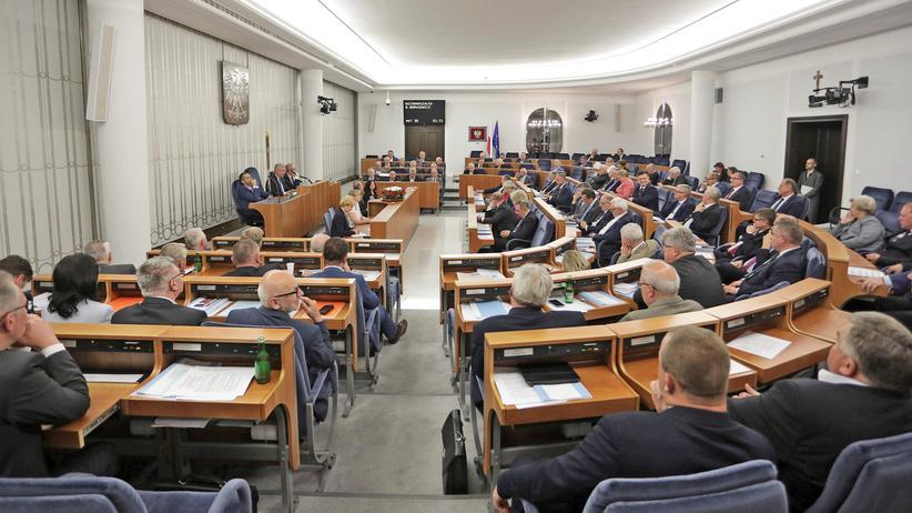 PiS: Der polnische Senat berät über die Justizreformen.