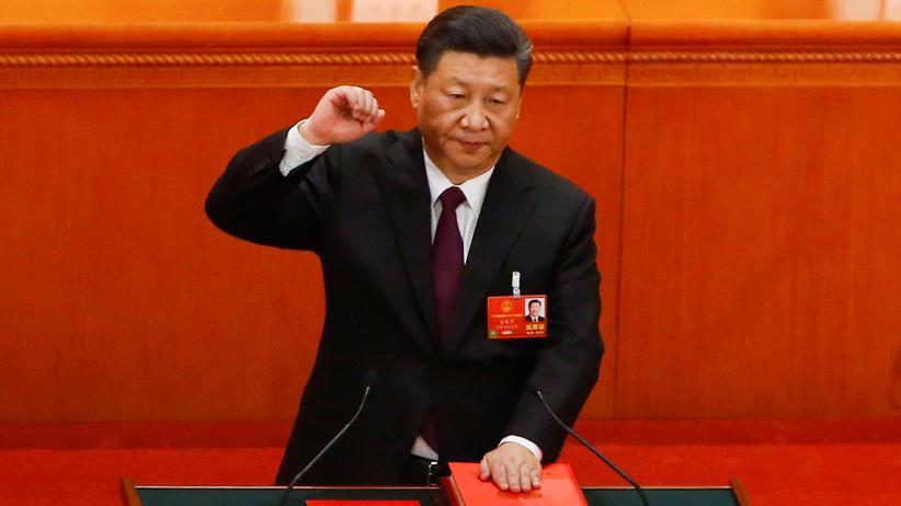 China: Der chinesische Präsident Xi Jinping legt seinen Amtseid ab.