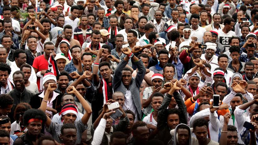Äthiopien: Angehörige der Oromo und der Amahara
