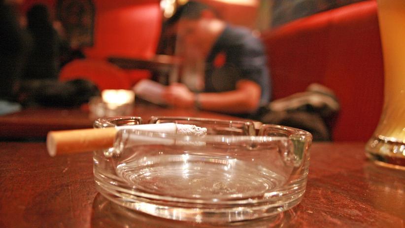 Rauchverbot: Österreicher dürfen in Kneipen weiter rauchen