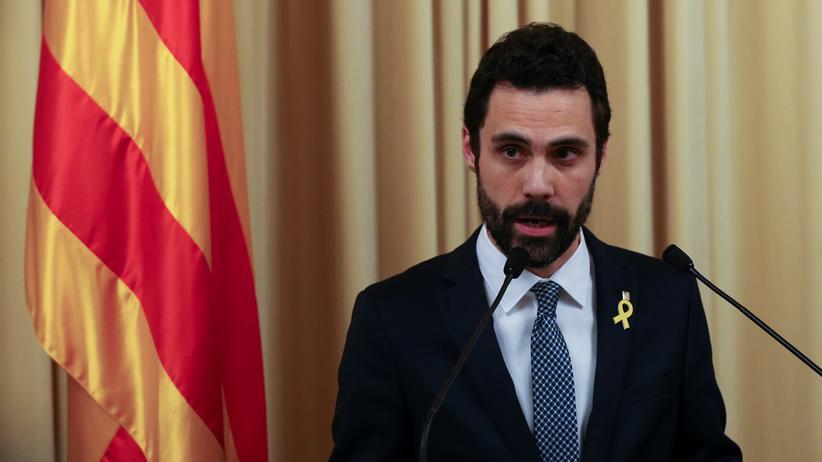 Carles Puidgemont: Roger Torrent (Archiv) ist der Nachfolger von Carles Puigdemont, der vom Exil aus kein Parlamentspräsident werden konnte.