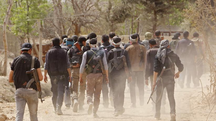 Syrien: Regime zwingt weitere Rebellen zum Abzug aus Ostghuta