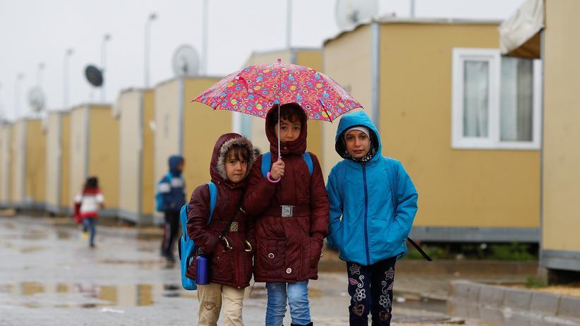 EU-Türkei-Abkommen: Kinder in einem Flüchtlingscamp an der türkisch-syrischen Grenze in Kilis (2016)