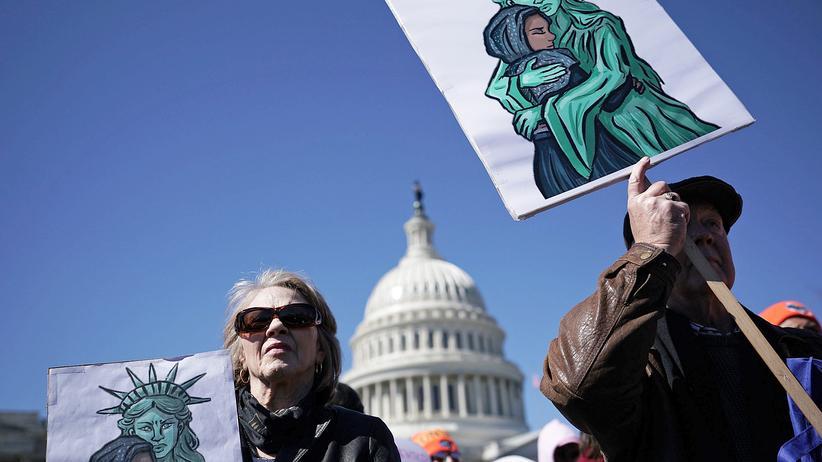 Demokratie: Die Hoffnung strahlt von unten