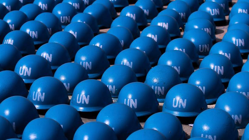Vereinte Nationen: In 17 Ländern im Einsatz: die blauen Helme der UN-Friedenstruppen.