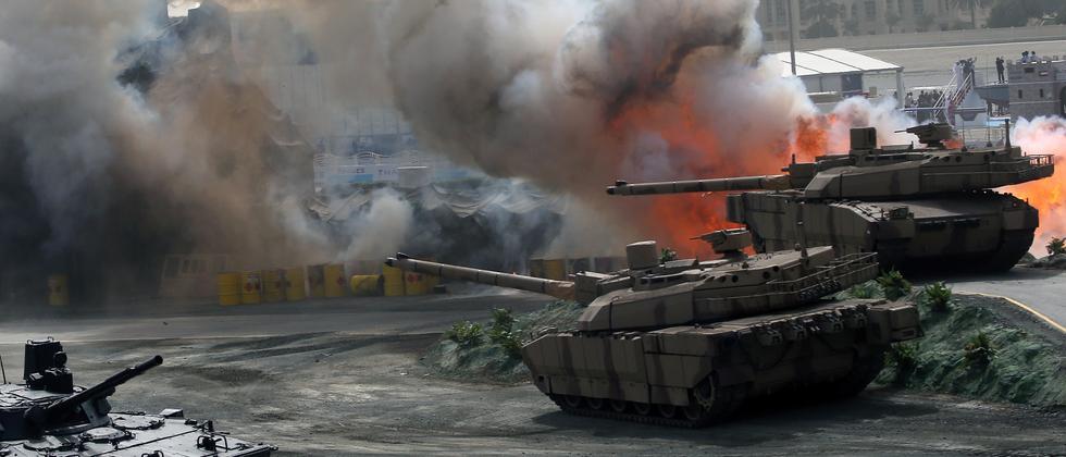 Panzer auf Rüstungsmesse in den Vereinigten Arabischen Emiraten