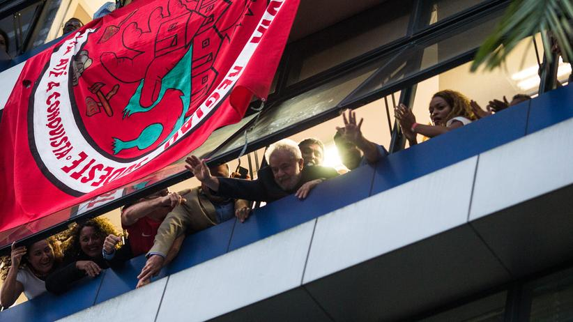 Brasilien: Lula trotzt dem Haftbefehl