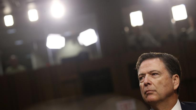 """""""Größer als das Amt"""": Der ehemalige FBI-Chef James Comey greift Donald Trump an."""
