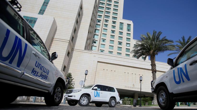 Giftgasangriff in Duma: Fahrzeuge der UN sollen die OPCW-Ermittler nach Duma bringen.