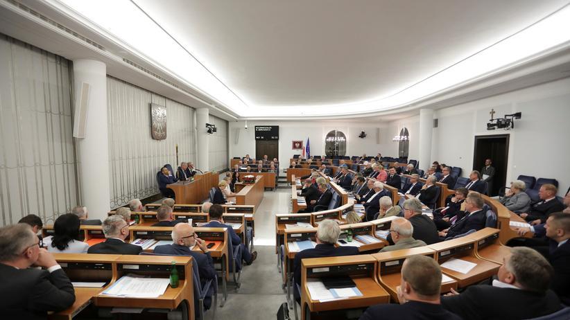 Polen: Der polnische Senat während einer Sitzung