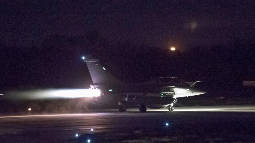 Europäische Union: Ein französisches Kampfflugzeug startet in der Nacht des 13. April 2018 von der Saint-Dizier-Basis in Richtung Syrien.