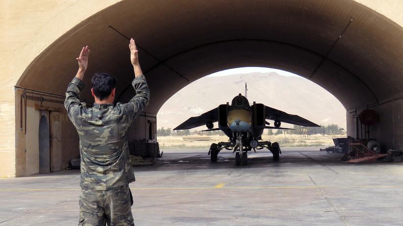 Syrien: Tote und Verletzte bei Angriff auf syrischen Militärflughafen