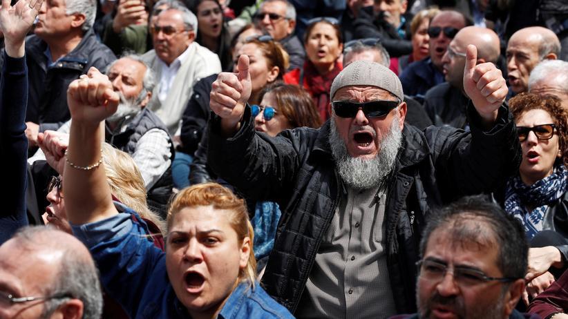 Türkei: Hunderte demonstrieren gegen Ausnahmezustand