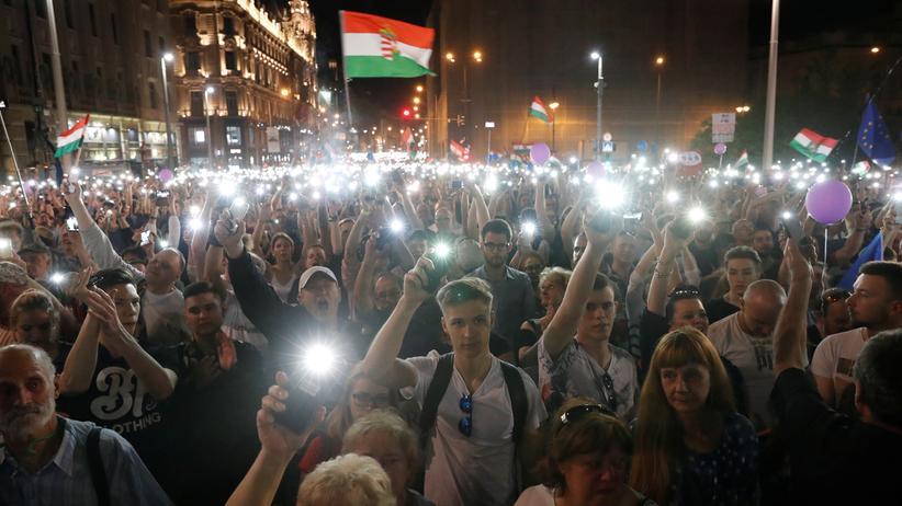 Ungarn: Erneute Massenkundgebung gegen Orbán