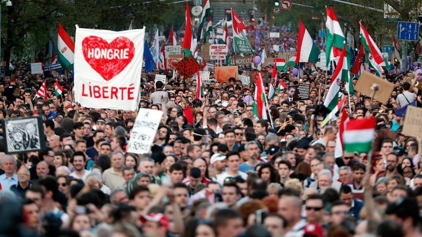 Ungarn: Rechte und Linke sollen sich gegen Orbán vereinen
