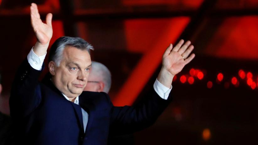 """Parlamentswahlen in Ungarn: Orbán bejubelt seinen """"historischen Wahlsieg"""""""