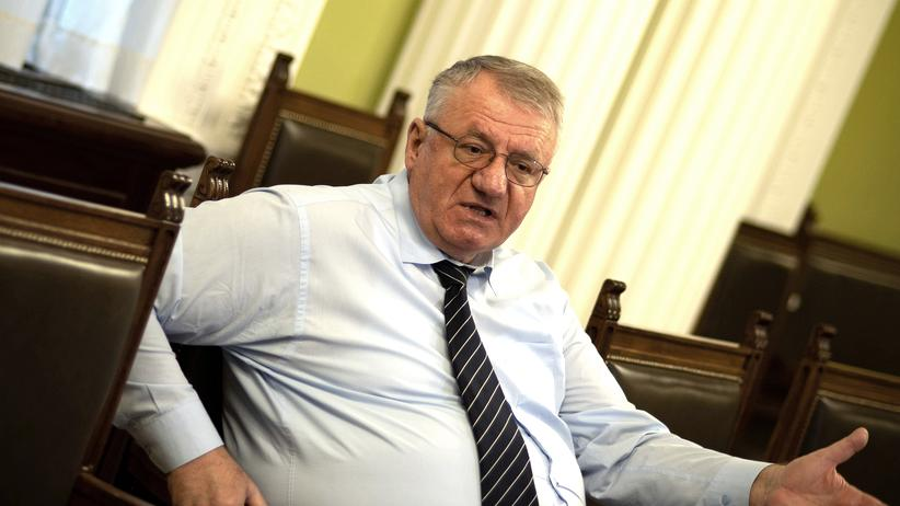 "Serbien: In this photograph taken on March 29, 2018, Serbian Radical Party leader, Vojislav Seselj speaks during an interview with AFP in Belgrade. Vojislav Seselj has no remorse over his role in ex-Yugoslavia's wars. The ultra-nationalist says the idea of a ""Greater Serbia"" is as strong as ever. / AFP PHOTO / ANDREJ ISAKOVIC        (Photo credit should read ANDREJ ISAKOVIC/AFP/Getty Images)"