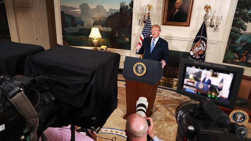 Presseschau zur Iran-Entscheidung: Donald Trump verkündet seine Entscheidung zum Atomabkommen – unter den Blicken der Weltöffentlichkeit.