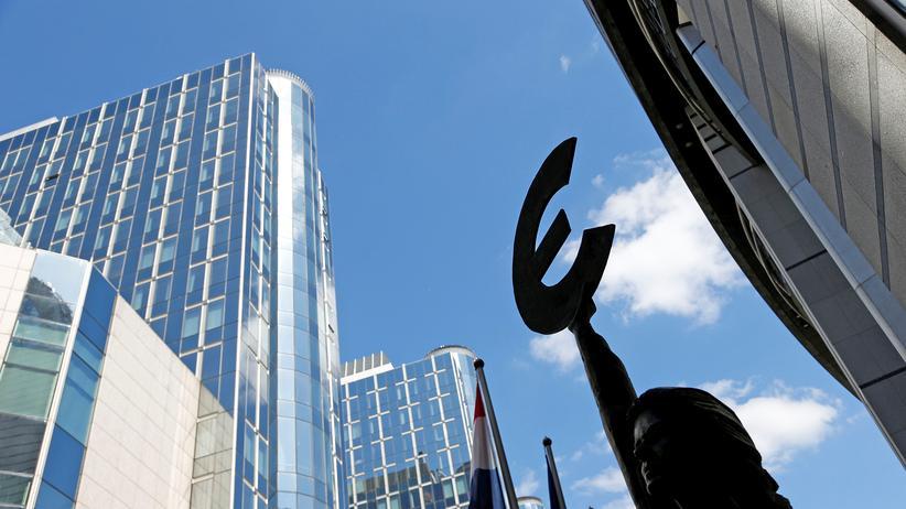 Europäische Union: Ein Eurozeichen vor dem EU-Parlament in Brüssel