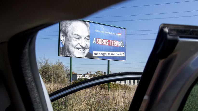 Ungarn: Seit Jahren hetzt die Partei und die Regierung von Viktor Orbán – wie mit diesem Plakat – gegen den liberalen US-Milliardär George Soros.