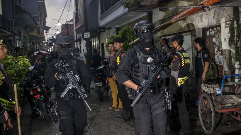 Indonesien: Mehrere Tote bei Bombenanschlägen auf Kirchen