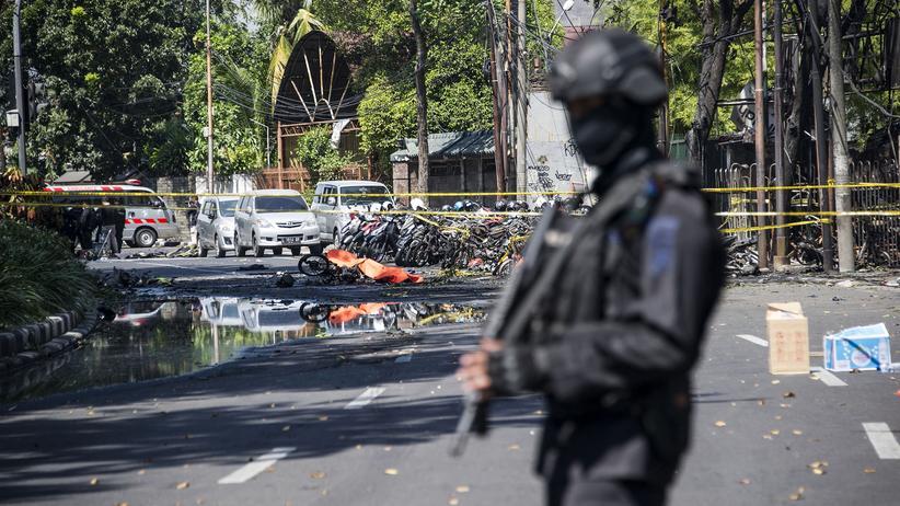 Indonesien: IS bekennt sich zu Attentaten in Surabaya