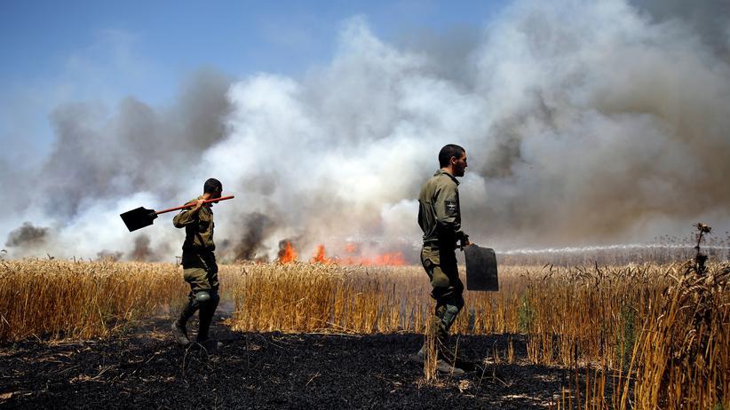 """Nahostkonflikt: Israels Armee wirft Palästinensern """"beispiellose Gewalt"""" vor"""
