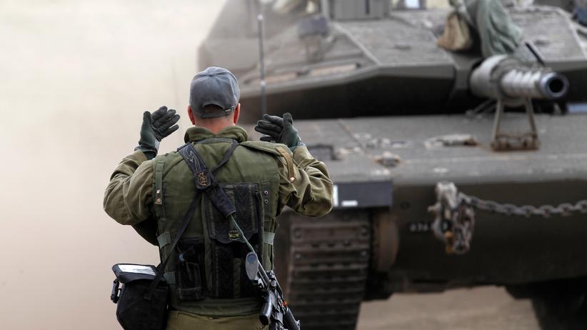 Israel: Israelischer Soldat bei einem Militärmanöver auf den Golanhöhen.