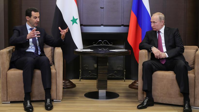 Syrien: Putin und Assad haben in Putins Sommerresidenz am Schwarzen Meer Gespräche geführt.