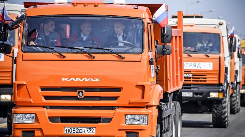 Russland: Putin eröffnet umstrittene Brücke zur Krim