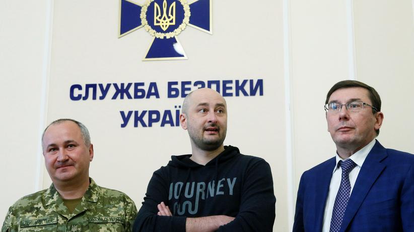 Ukraine: Russischer Journalist Arkadi Babtschenko lebt