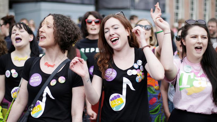Schwangerschaftsabbruch: Frauen in Dublin feiern das Ergebnis des Referendums