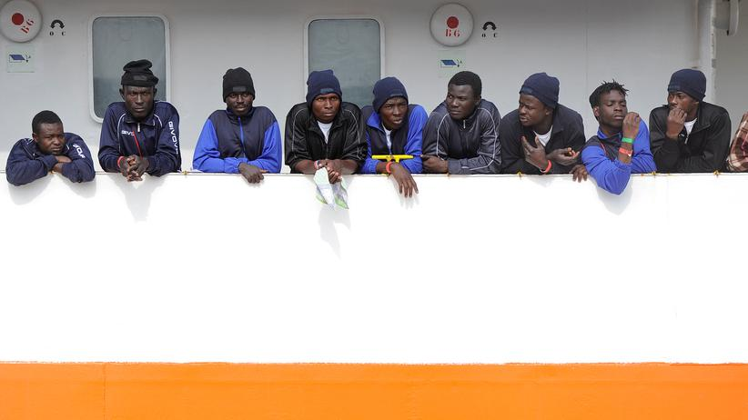 "Italien: Flüchtlinge an Bord der ""Aquarius"" bleiben auf dem Meer."
