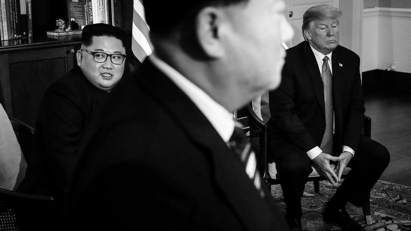 USA-Nordkorea-Gipfel: Nervosität vor dem ersten Rendezvous: Nordkoreas Diktator Kim Jong Un und US-Präsident Donald Trump im Capella-Hotel in Singapur