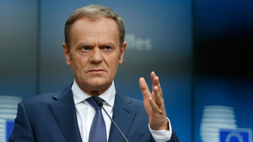 Donald Tusk: EU-Ratschef will Sammelstellen für gerettete Migranten