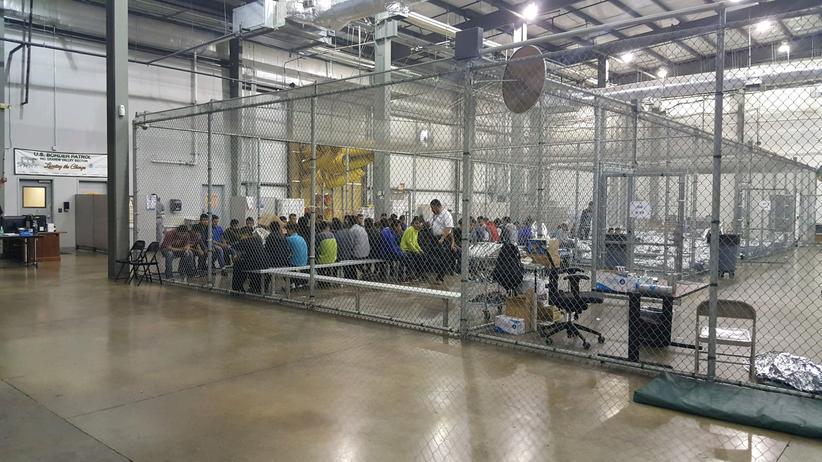 Einwanderungspolitik: 1.800 Kinder weiter von Eltern getrennt