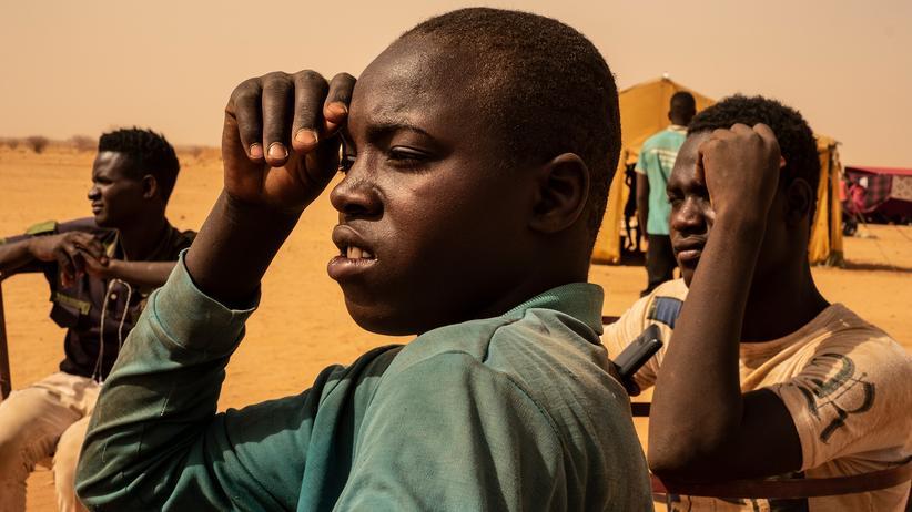 Migration aus Afrika: Jugendliche aus Kantché im Niger: Sie waren nach Algerien gereist, um dort zu betteln. Jetzt werden sie in ihre Heimat zurückgeschickt.