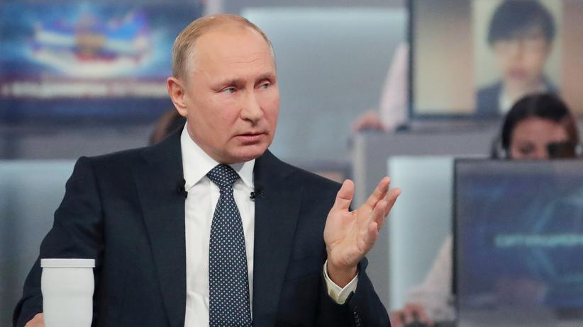 Wladimir Putin: Russlands Präsident Wladimir Putin stellt sich den Fragen von Bürgerinnen und Bürgern.