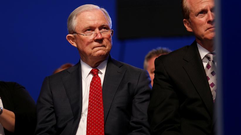 Jeff Sessions: Kein Asyl bei häuslicher Gewalt